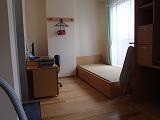 卒業後の自立訓練のための部屋(ベッドの部分)