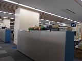 『写真』 広い職員室を別の角度から