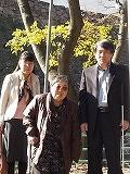 私を講演に呼んでくださった現地の野村さんたちと記念撮影
