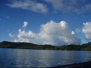 良く晴れた空に浮かぶ入道雲
